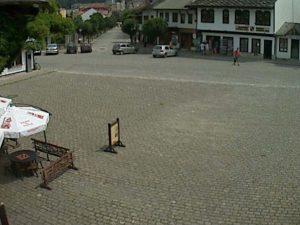 Уеб камера от Трявна - площада пред часовниковата кула.