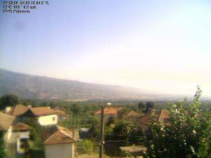 Уеб камера от Коларово, подножието на Беласица, община Петрич, Област Благоевград, Югозападна България на 405 м.н.в.