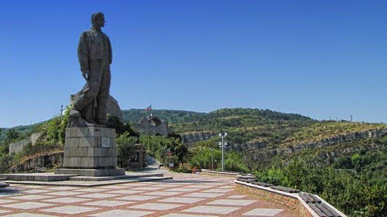 Уеб камера от крепост Хисаря , Ловеч, Северна България на 220 м.н.в.