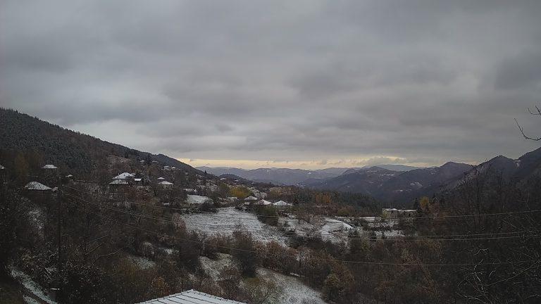 Уеб камера от село Кръстатица в Родопите на 1087 м.н.в.