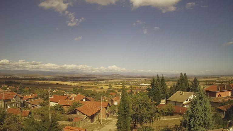 Уеб камера от село Варвара в полите на Родопите на 338 м.н.в.
