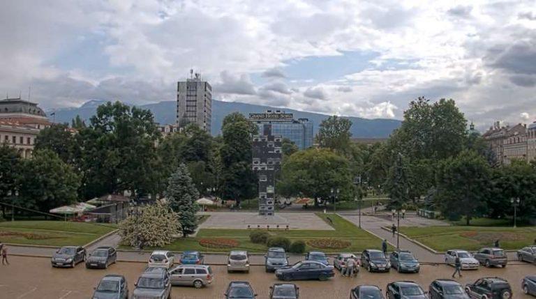 """Уеб камера София - пл. """"Княз Александър I"""" до Народното събрание"""