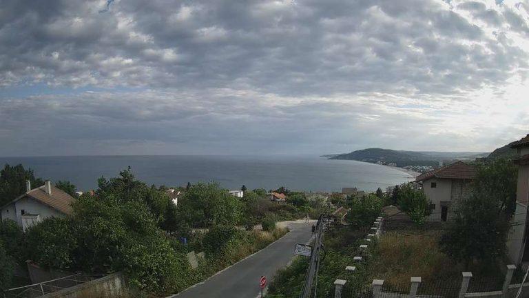 Уеб камера от Албена - в.з. Изгрев с панорама към Черно море